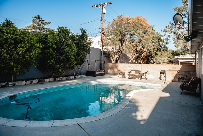 Matilija Big | New Home With Pool--15 Min. to Everywhere P22, holiday rental in San Fernando