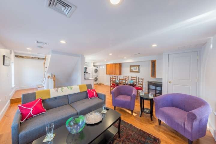 Sweet Retreat - all modern, open concept - downtown Marblehead