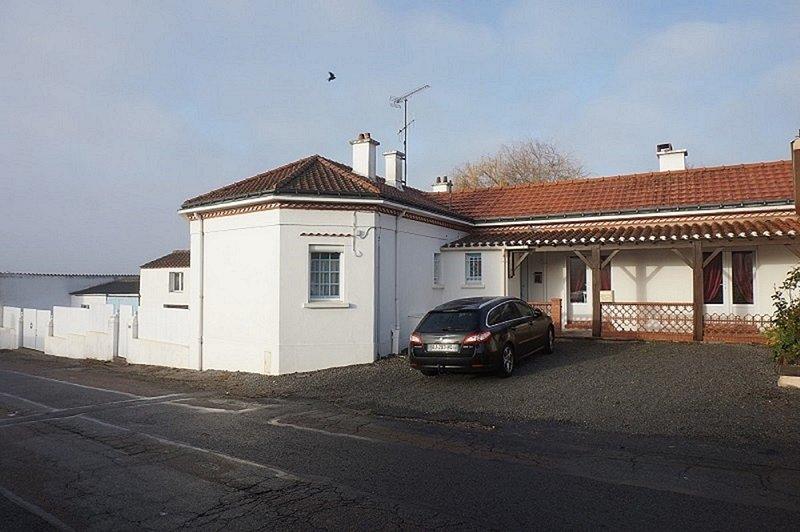 Maison plein pieds proche marais Breton et Vendee AXE NOIRMOUTIERS PORNIC, holiday rental in Bourgneuf-en-Retz