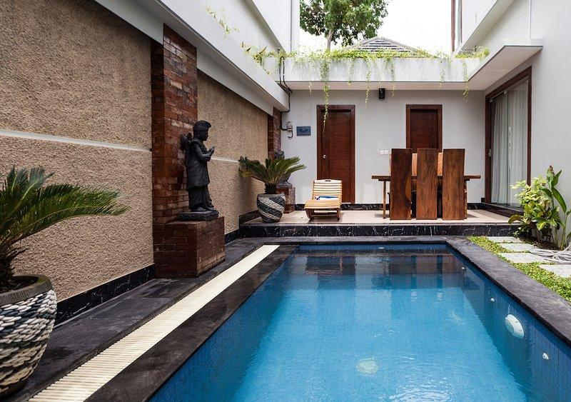 Griyani Villa 2- Sleeps 6, holiday rental in Pemecutan Klod