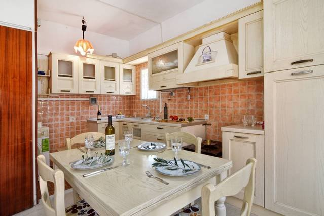 3BR| Corfu town suburbs apartment, holiday rental in Evropouli