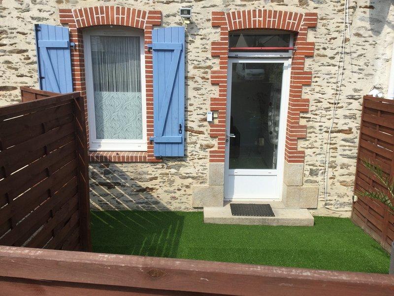 Le CLOUSY Gîte Urbain, location de vacances à Le Cellier