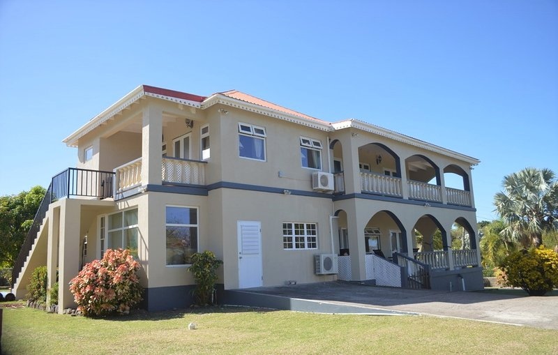 Crimson House Villa - Nevis, vacation rental in Turtle Beach