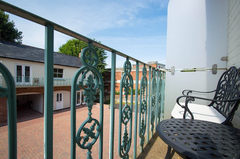 Silverdale Mews Immaculate Cottage Close to the Sea, Theatres and Culture, casa vacanza a Eastbourne