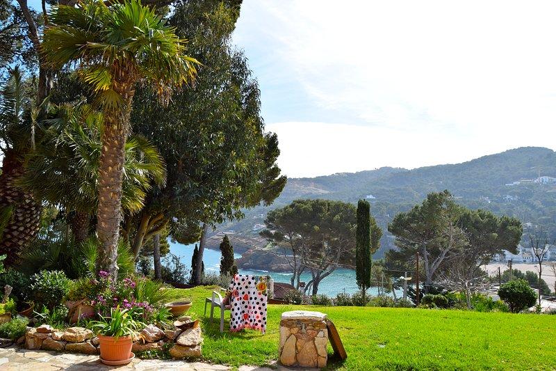 Villa de estilo catalán con jardín y excepcionales vistas al mar. Ubicada a 250 metros de Sa Riera-SA PUNTA COSTA BRAV