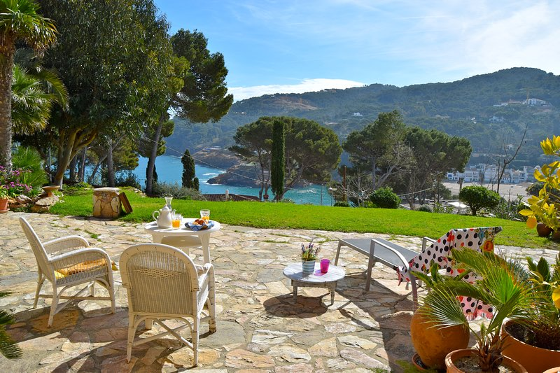 Catalan style Magnificent villa with garden and exceptional sea views, holiday rental in Begur