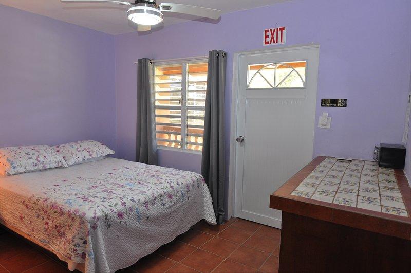 Isla Hermosa Guesthouse - Caracas, holiday rental in Isabel Segunda