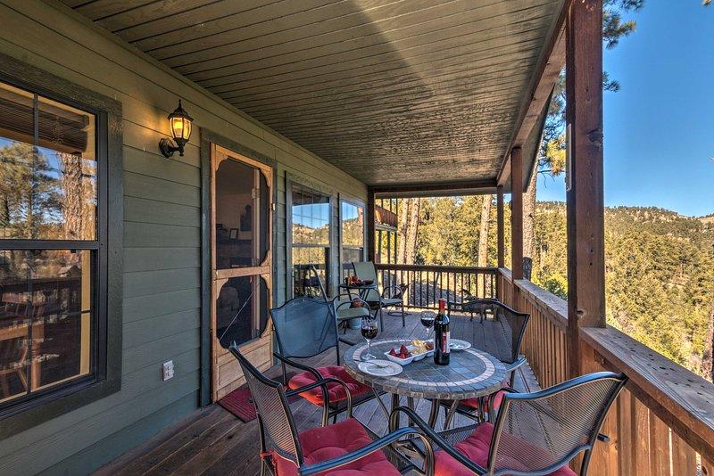 'Alpine Air Cabin' In Ruidoso w/Amazing Mtn Views!, vacation rental in Alto