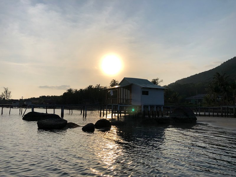 Lotus Home, Unique overwater retreat, vakantiewoning in Phu Quoc Island