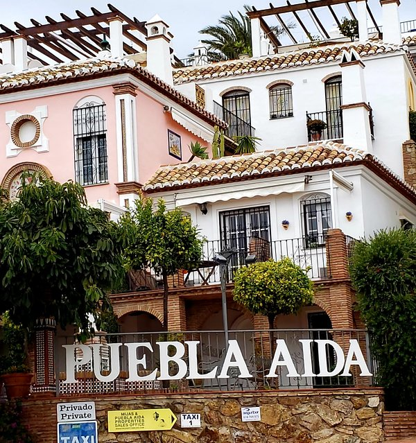 Andalucian style complex