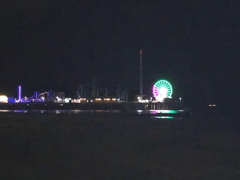 Vida nocturna en Pleasure Pier!