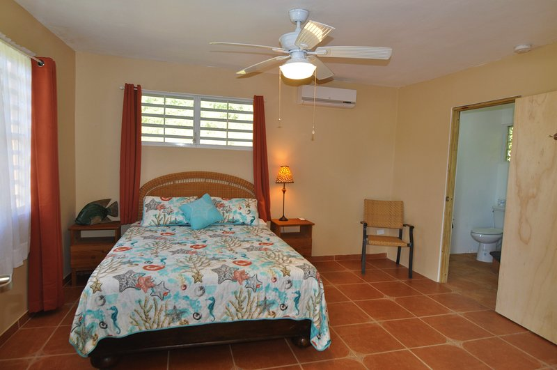 Isla Hermosa Guesthouse - Playa La Chiva, holiday rental in Puerto Diablo