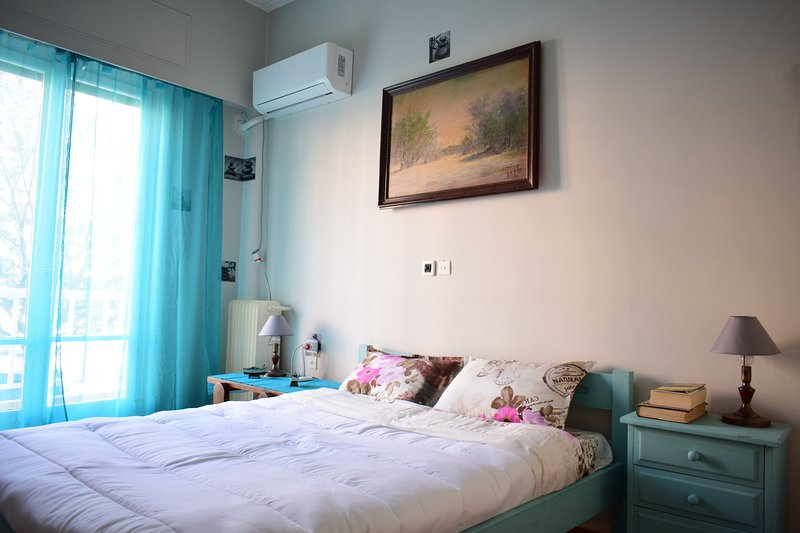 6ppl apartement near downtown and port of pireas, holiday rental in Piraeus Region