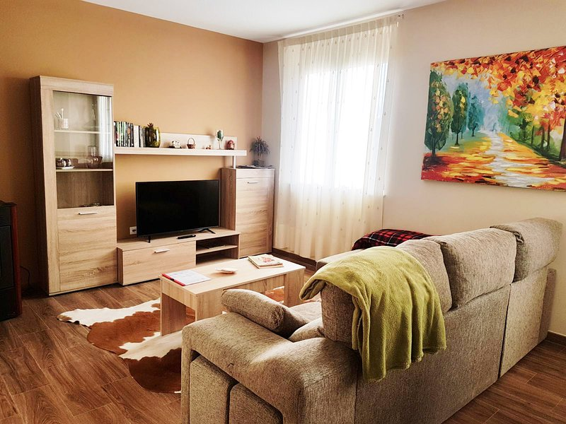 VALDESTHER - Apartamento 2, holiday rental in Villacelama