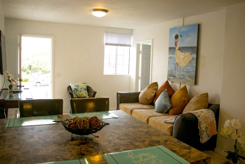 An adorable house.BEST LOCATION IN SAN DIEGO!, holiday rental in National City