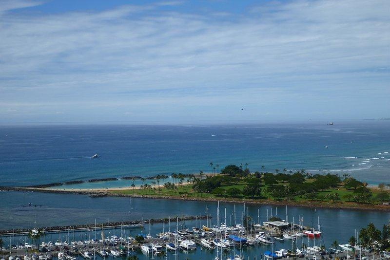 Yacht Harbor & Magic Island Beach