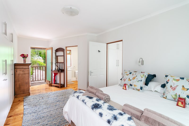 Owner Cleaned And Sanitized Private Apartment|Birdsong and Serenity, aluguéis de temporada em Knysna