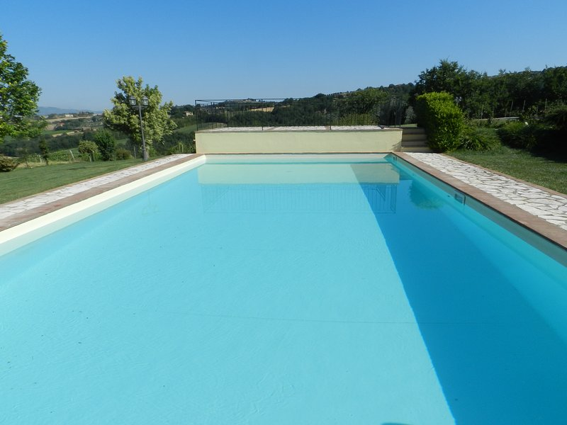 Beautiful apt with swimming-pool, Ferienwohnung in Piedicolle