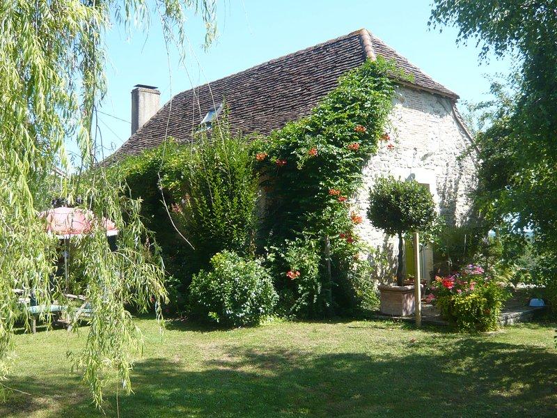 Le jardin de la Peyrennie, vacation rental in Saint-Antoine-d'Auberoche
