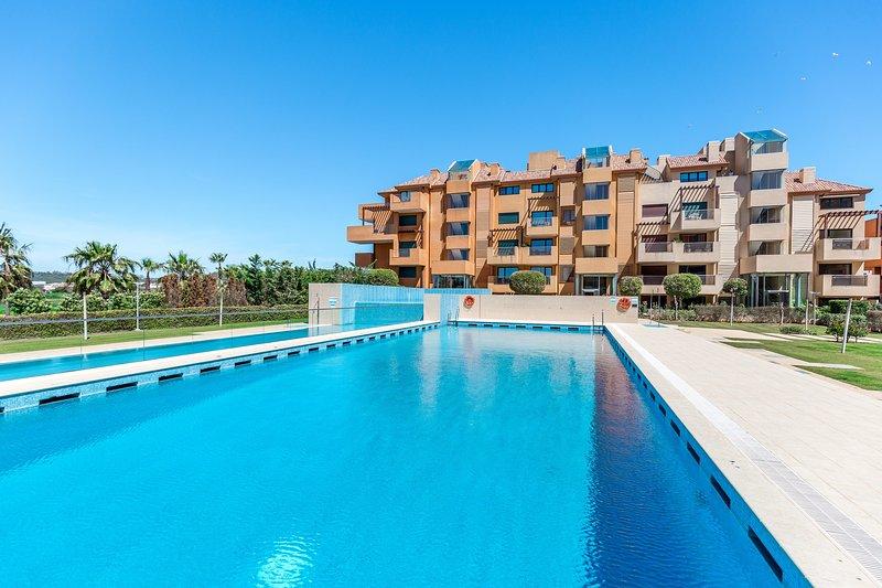 Ribera del Marlin 2-rumslägenhet med uppvärmd pool och gym i hjärtat av Sotogrande Marina