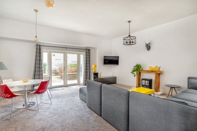 Handiplaces 3 bedroom Apartment, Ferienwohnung in Aberdeen