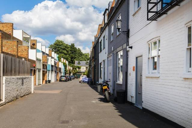 Mews street