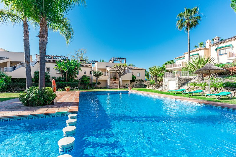 Beautiful Apartment in the Golf Valley, alquiler vacacional en Istán
