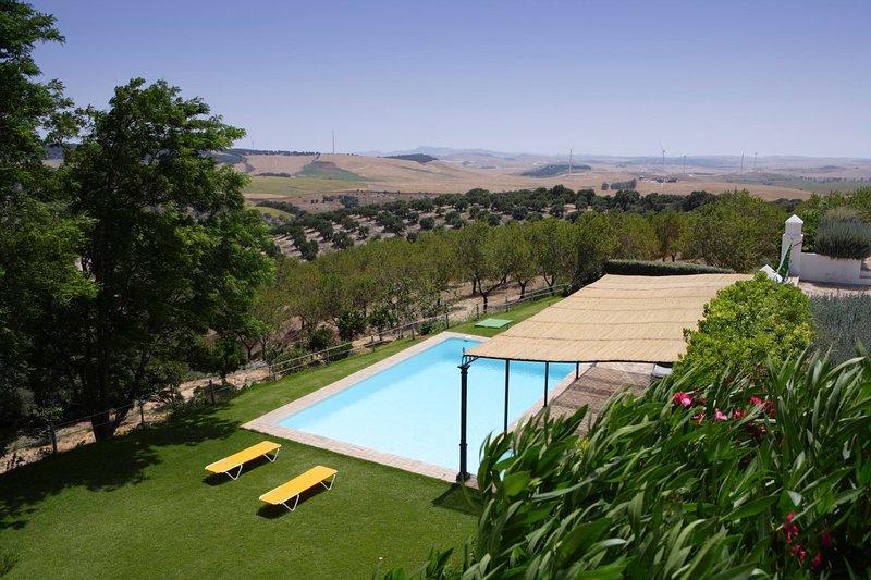 San Jose del Valle Villa Sleeps 12 with Pool Air Con and WiFi - 5604466, holiday rental in La Barca de la Florida