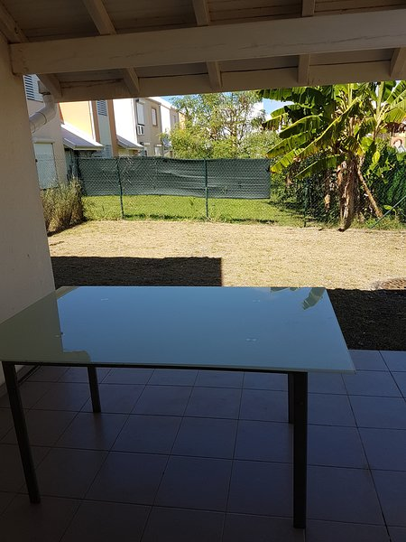 Beautiful house with garden & Wifi, alquiler vacacional en Port-Louis