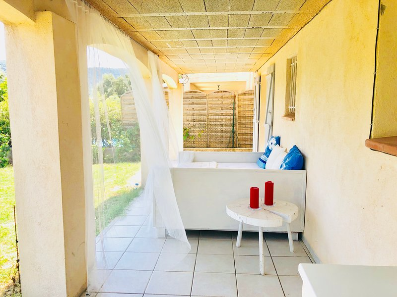 Beautiful house with garden & Wifi, vacation rental in Cogolin