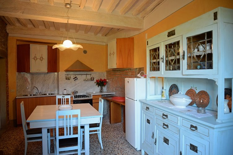 Nice apartment with mountain view, holiday rental in Colle di Buggiano