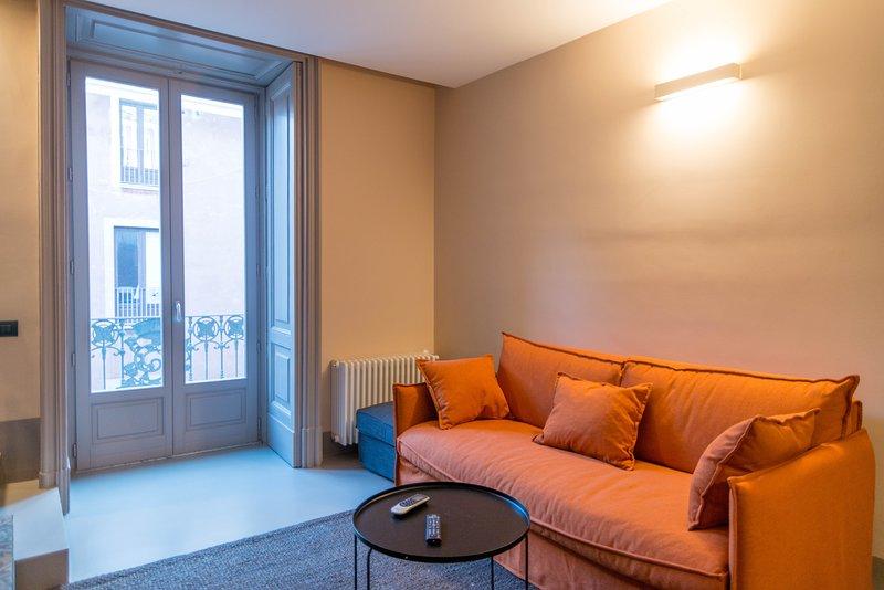 Nice apartment with balcony & Wifi, holiday rental in Sant'Agata li Battiati