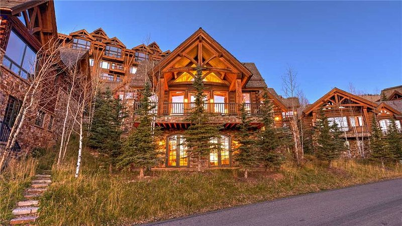 Beautiful Stone and Chestnut Accents, Home Movie Theater, vacation rental in Telluride