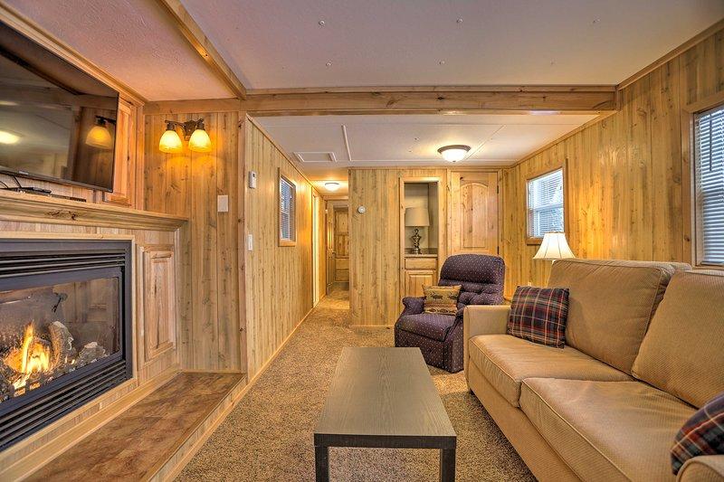 Unwind in this cozy 1-bedroom, 1-bathroom vacation rental cabin in Island Park.