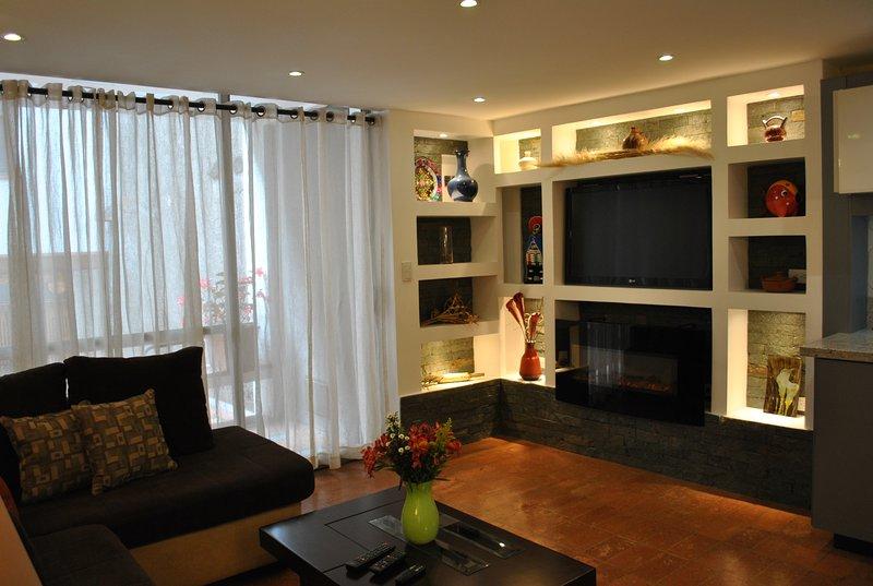 Hummingbird Haven Luxury Condo 1 bedroom 1 bath furnished-Roof Terrace, alquiler de vacaciones en Girón