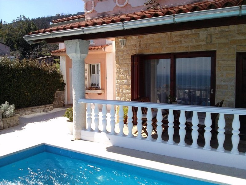 Lovran Apartment Sleeps 4 with Pool and Air Con - 5771492, holiday rental in Lovran