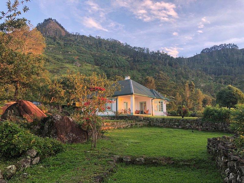 Haldummulla Estate Bungalow - full board on an organic tea estate, holiday rental in Ohiya