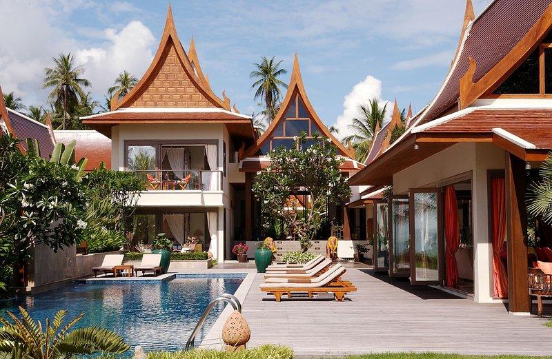SPECIAL 40% OFF   Baan Rattana Thep Luxury Beachfront Villa w/ Jacuzzi, Chef, vacation rental in Lipa Noi