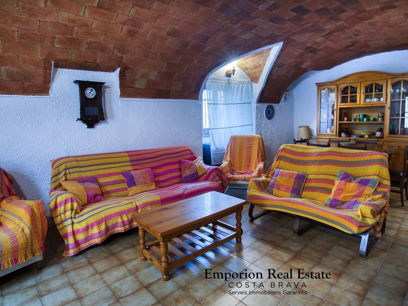 Charming village house 50 meters from the beach. – semesterbostad i Sant Antoni de Calonge