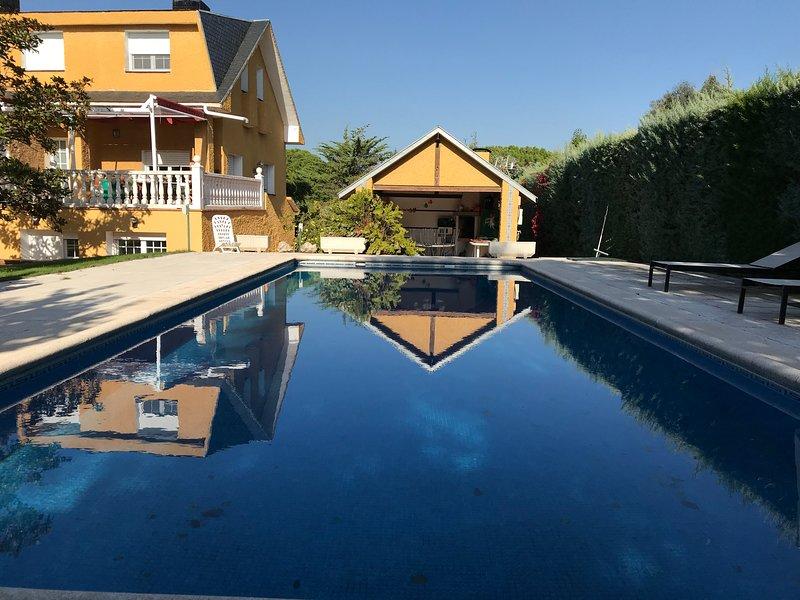 Precioso Apartamento Nuevo Full Equipe, location de vacances à Las Rozas