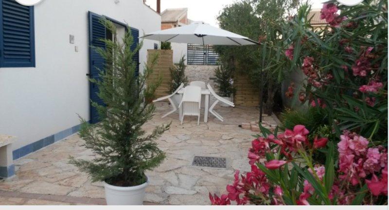 Villa pietre rosse - relax al mare - Sciacca, alquiler vacacional en San Giorgio