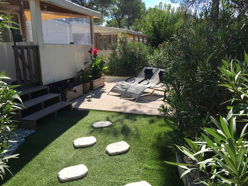 Beautiful property with shared pool, vacation rental in Puget-sur-Argens