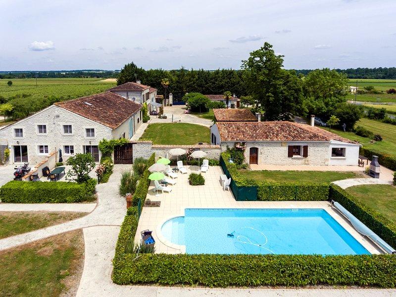 Chambre Les Tournesols - Les Gites de Brives, holiday rental in Saint Seurin de Palenne