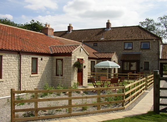 Smithy Cottage - Pickering - gateway to York Moors, holiday rental in Cropton