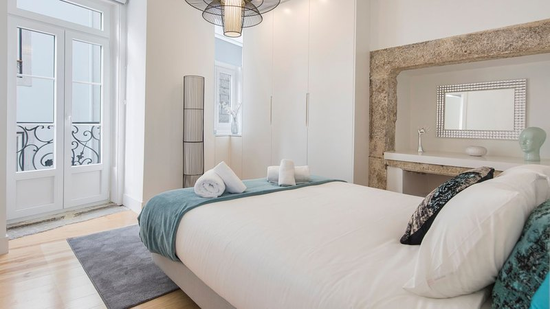 Lusitano's Heart 2BDR Apartment in Alfama, vacation rental in Barreiro