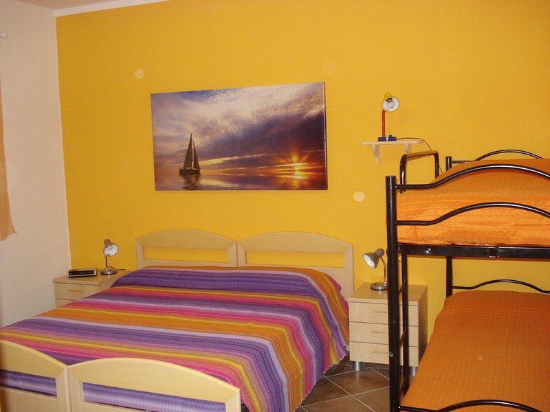 Appartamento in villa 'Sole' 2/5 persone, holiday rental in Capoliveri