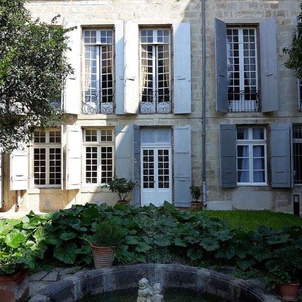 Amazing apartment with garden, alquiler vacacional en Boujan sur Libron