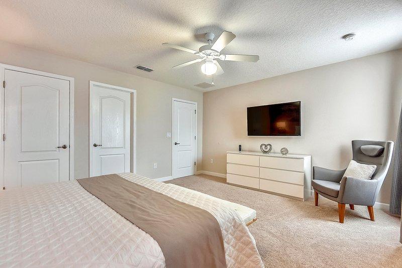 """""""Ventilador de techo, muebles, cama, pisos, pantalla"""""""