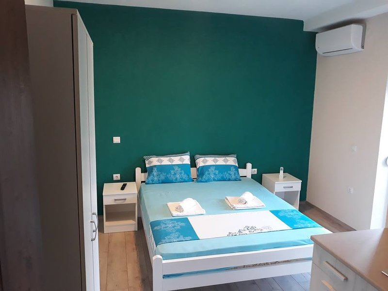 Vila & Apartments MATEA - Studio4 for 2 guests, holiday rental in Star Dojran