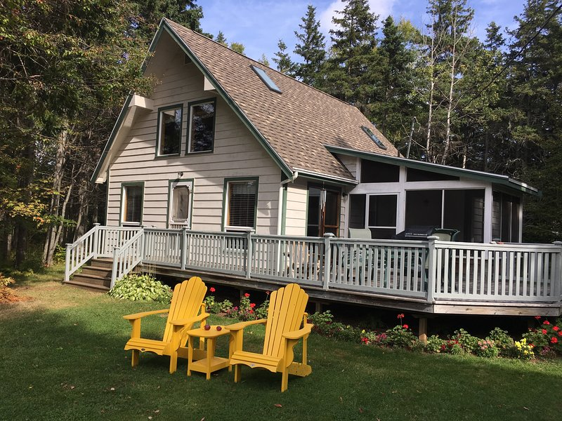 Butler's Pine Cottage, holiday rental in Brackley Beach